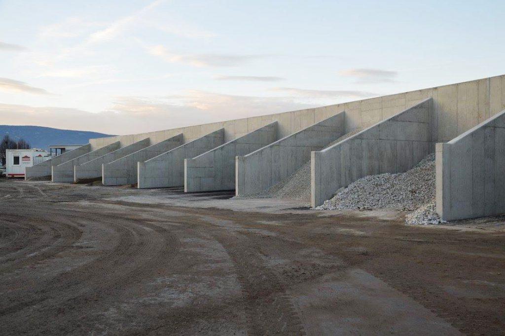 Abfallzentrum Stainz Beton Schüttboxen - Baufirma Kiegerl