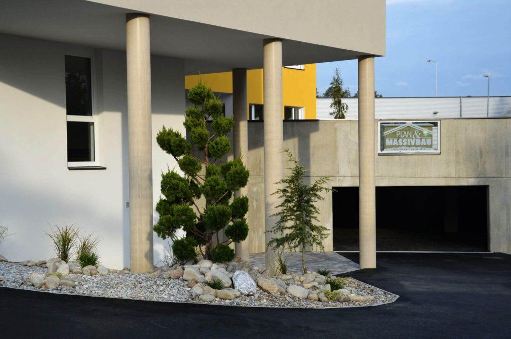 Baufirma Kiegerl - Sichtbeton-Säulen Schotterung